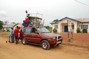 Sjukvårdsängar under transport till sjukhus