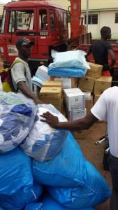 Material anländer i Freetown